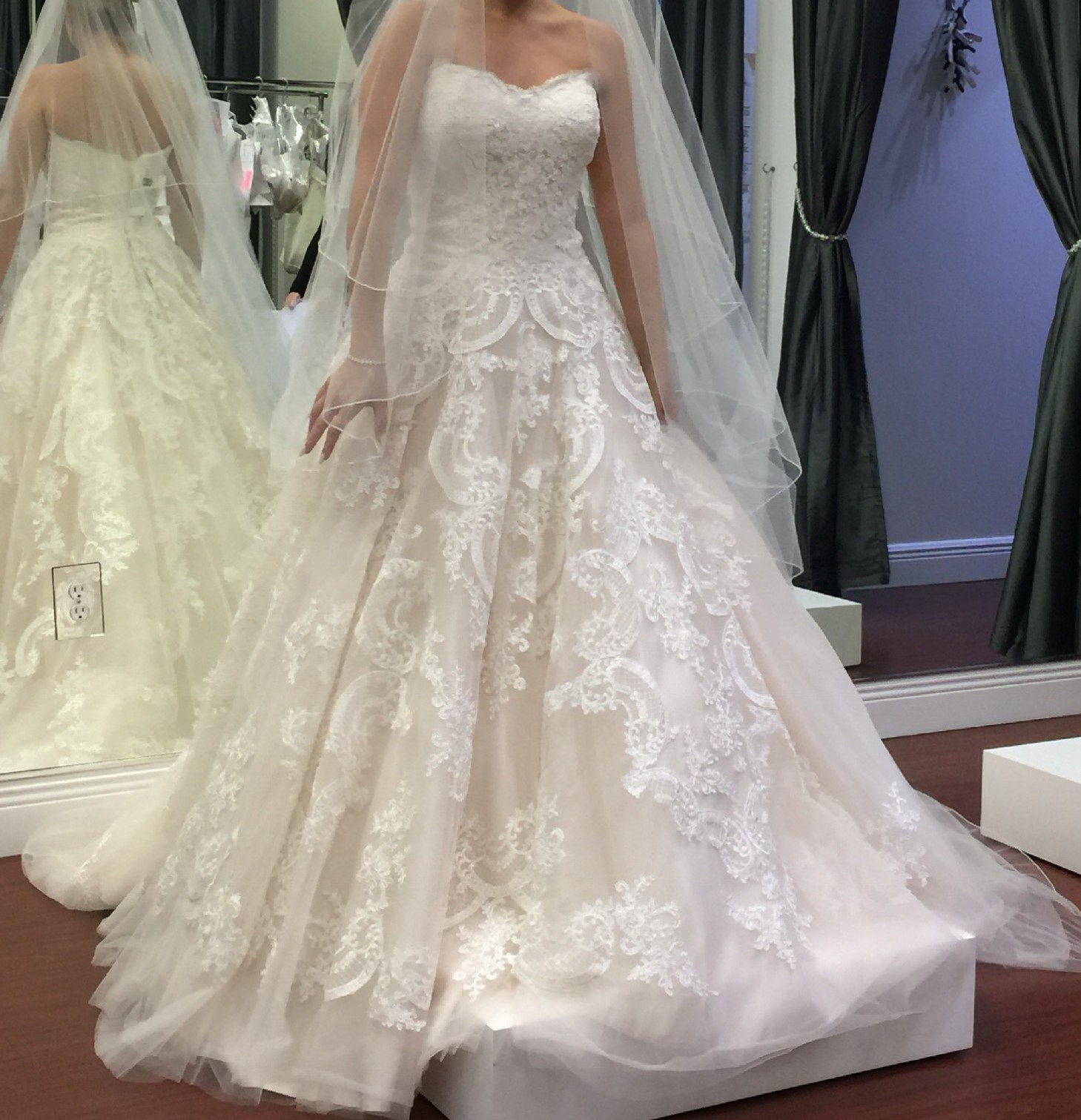 Allure Bridals Wedding Dresses: Allure Bridals Wedding Dress On Sale 37% Off