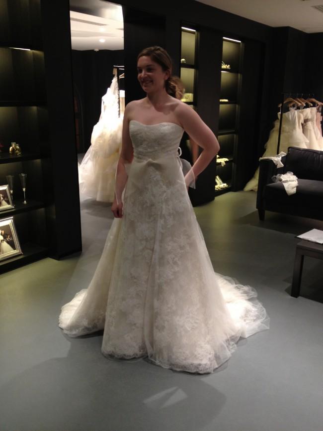 Vera wang esther used wedding dresses stillwhite for Vera wang wedding dresses outlet