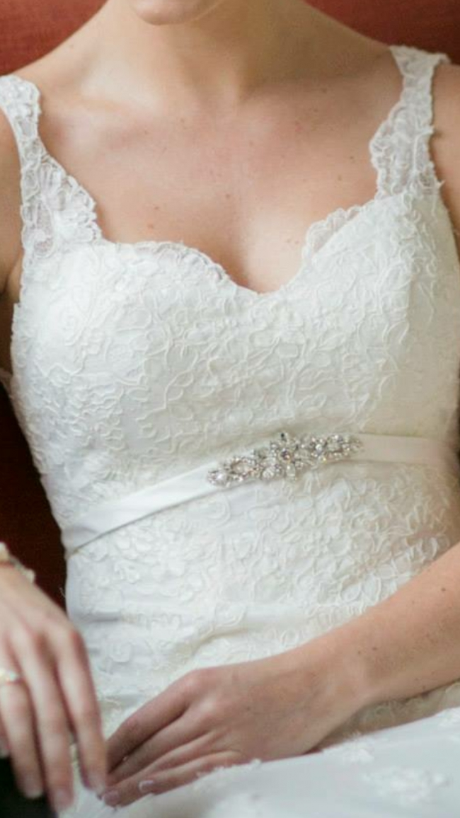 Stella York 5786 Preowned Wedding Dress On Sale 50 Off
