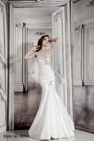 Hand Wedding Dress