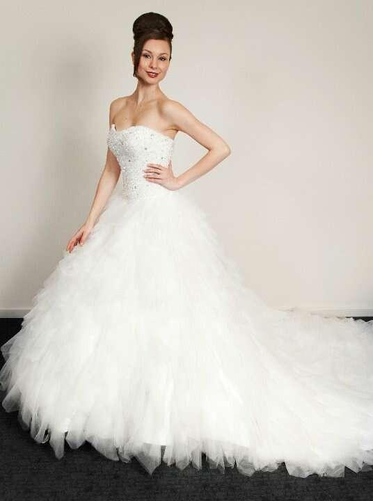 Kylie j bridal w0189 second hand wedding dress on sale for Second hand wedding dresses san diego