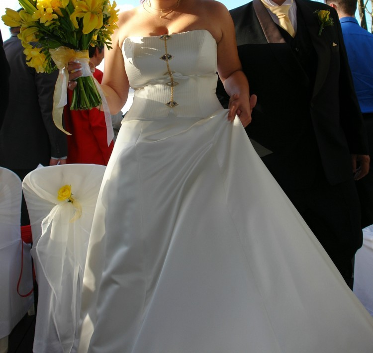 Diana gray second hand wedding dress on sale for Second hand wedding dresses san diego