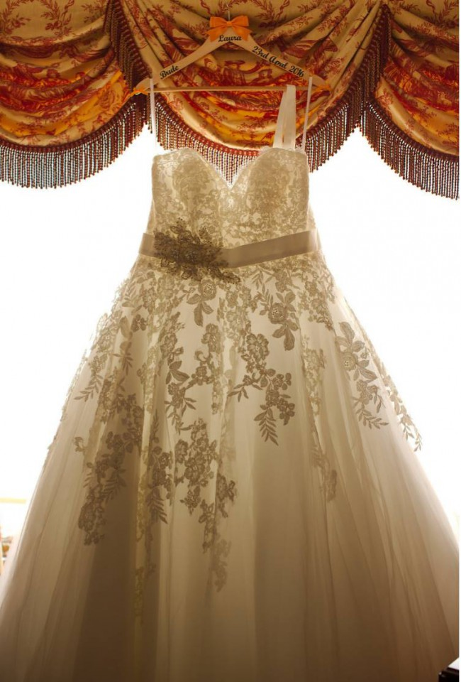 Allure Bridals, W320