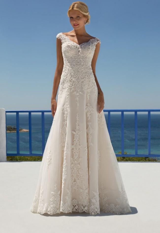 Mark Lesley Mark Lesley dress 7272 Used Wedding Dress on Sale 46% Off