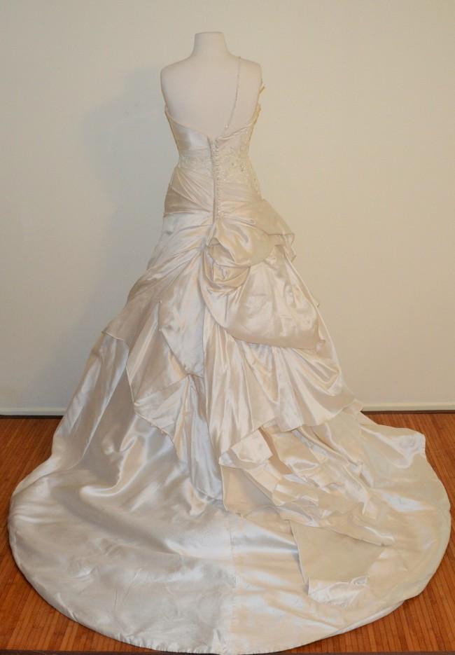 Connie simonetti rania sample wedding dress on sale 86 off for Off the rack wedding dresses melbourne
