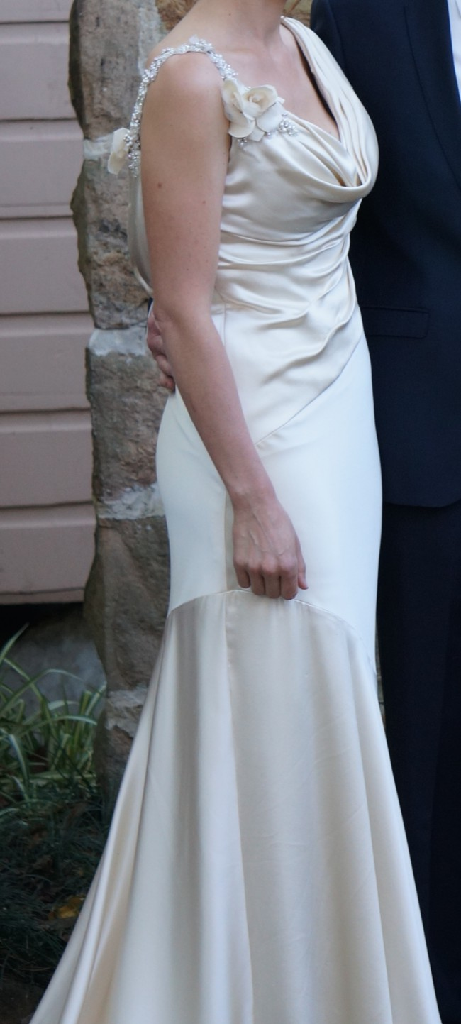 Cb couture b055 second hand wedding dress on sale 76 off for Cb couture wedding dresses