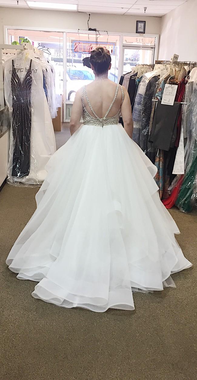 Hayley Paige Dori Used Wedding Dress on Sale 68% Off - Stillwhite