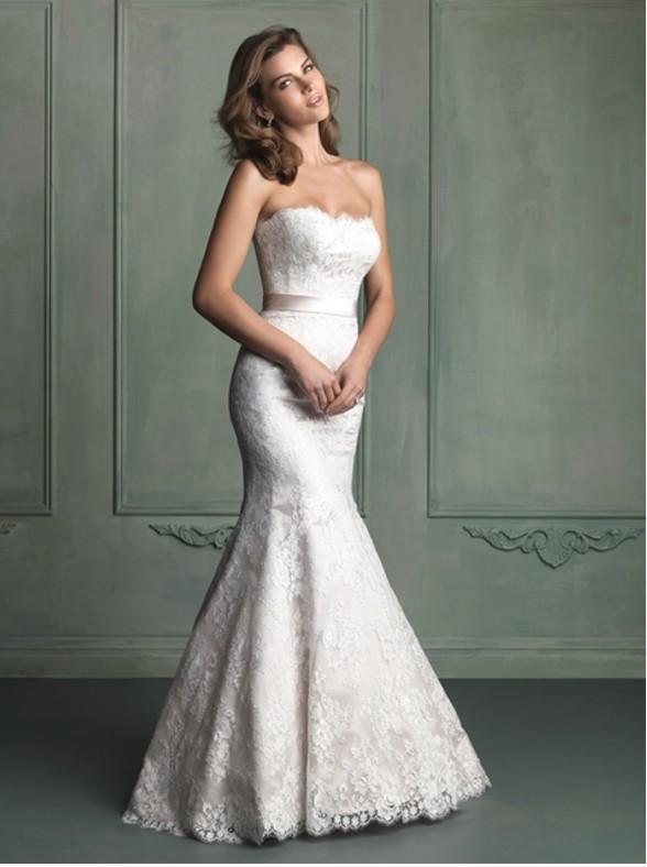 Allure Bridals 9117 Sample Wedding Dress on Sale 43% Off
