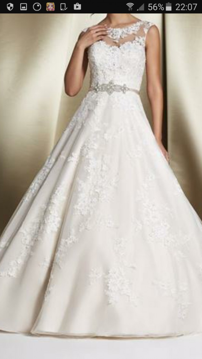 Ronald joyce robyn used wedding dresses stillwhite for Ronald joyce wedding dresses prices