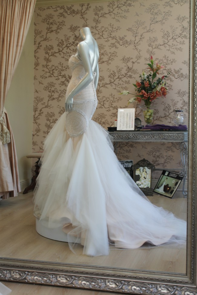 Rosalynn win haute couture amalfi gown sample wedding for Haute couture sale