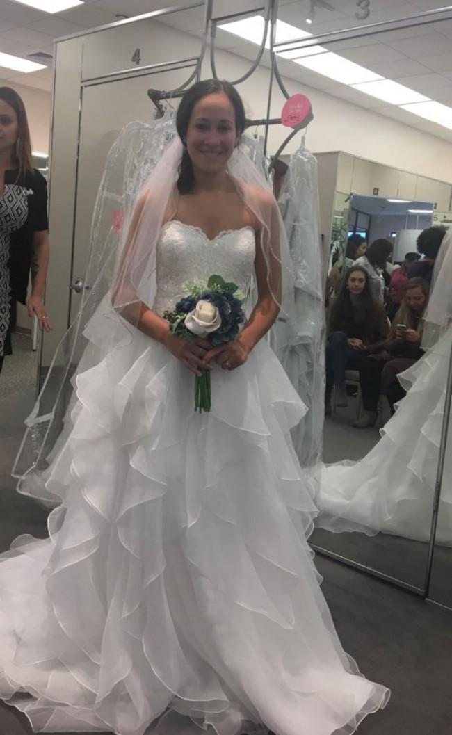 David's Bridal, Ven 298