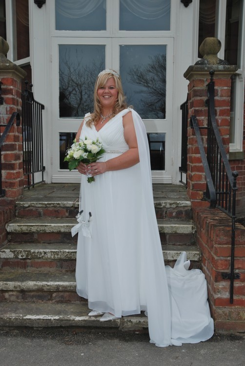 Empire Second Hand Wedding Dress on Sale 65% Off
