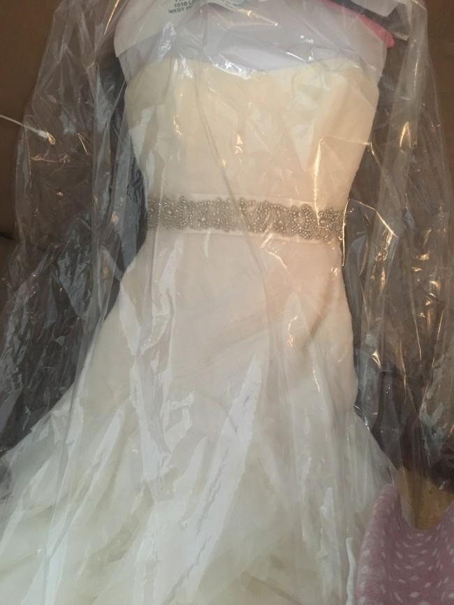 Vera wang white by vera wang organza and satin wedding for Second hand vera wang wedding dress