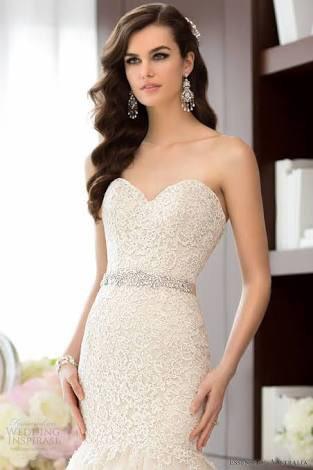 Essense of australia d1431th preowned wedding dress on for Essense of australia strapless long wedding dresses
