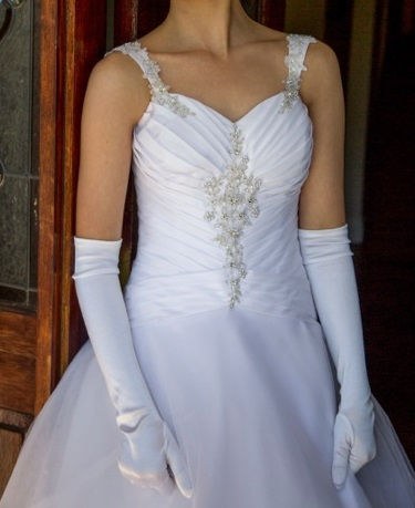 Barbra calabro one off designer gown second hand wedding for 2nd hand designer wedding dresses