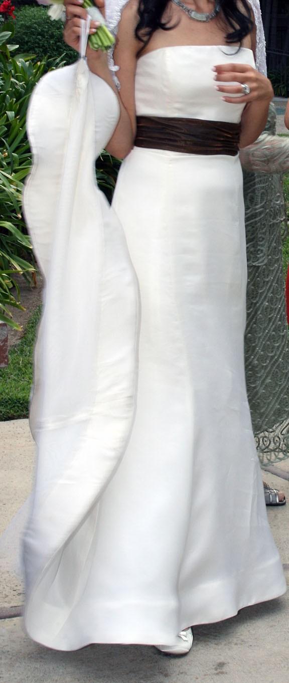 Vera wang second hand wedding dress on sale 83 off for Second hand vera wang wedding dress