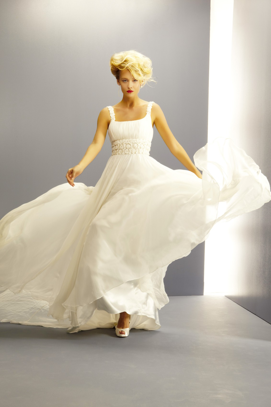 Ritva westenius delightful wedding dress on sale 80 off for Do dry cleaners steam wedding dresses