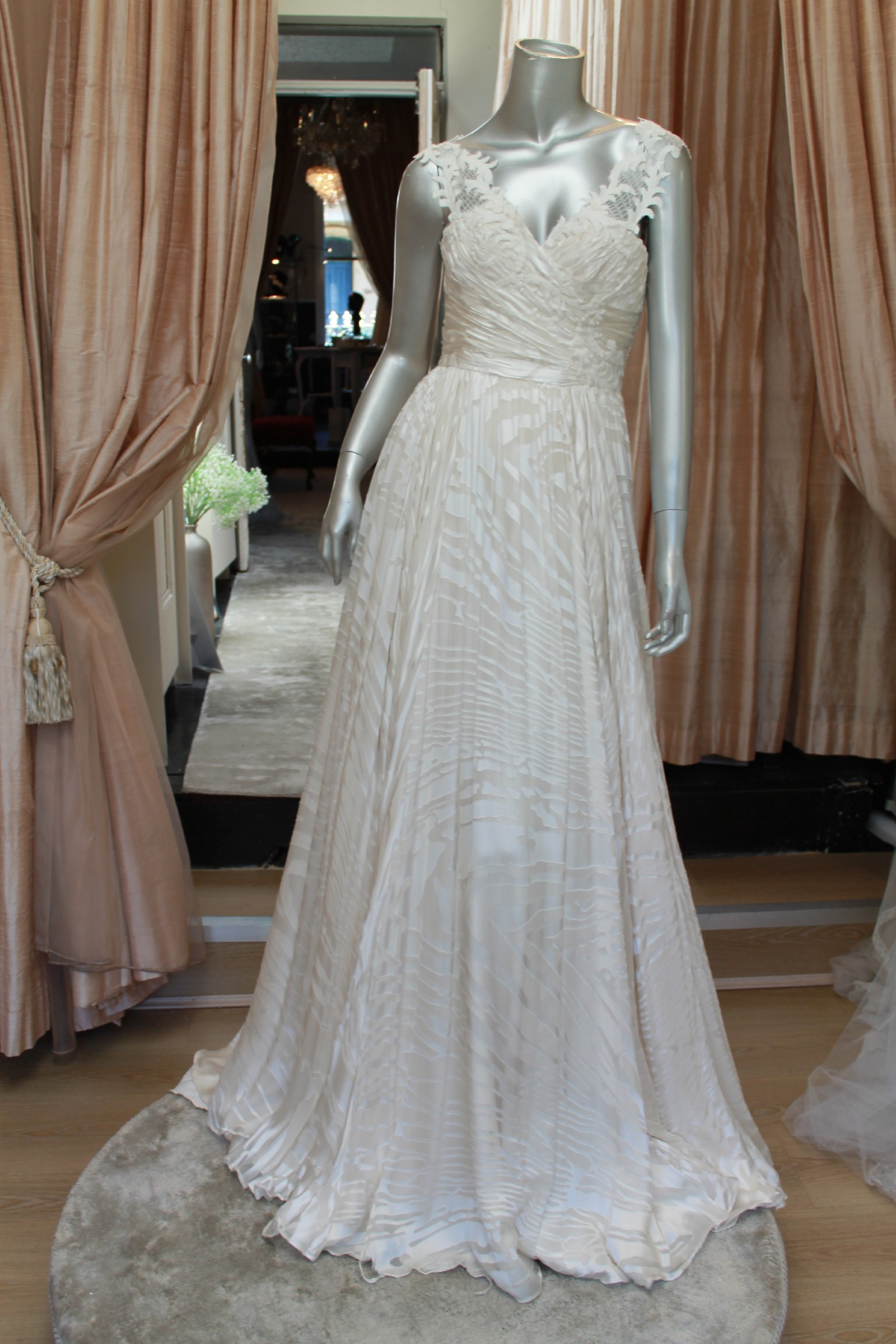 Rosalynn win haute couture kardamena gown from reverie for Haute couture sale