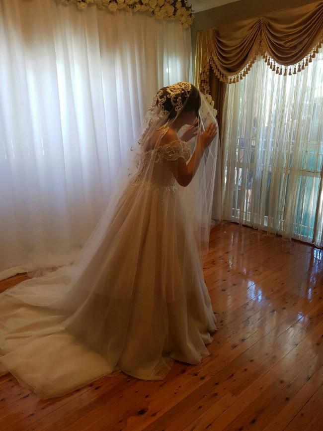 De Lanquez, Ball Gown