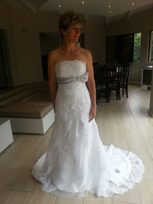 fit flare new size 12 wedding dress
