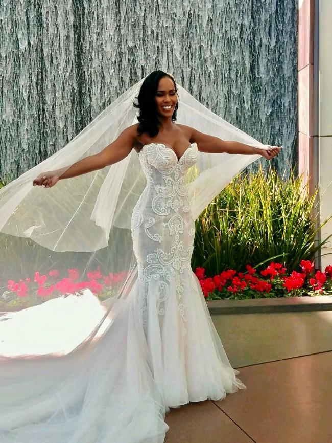 Steven khalil custom made pre owned wedding dress on sale for Steven khalil wedding dresses cost