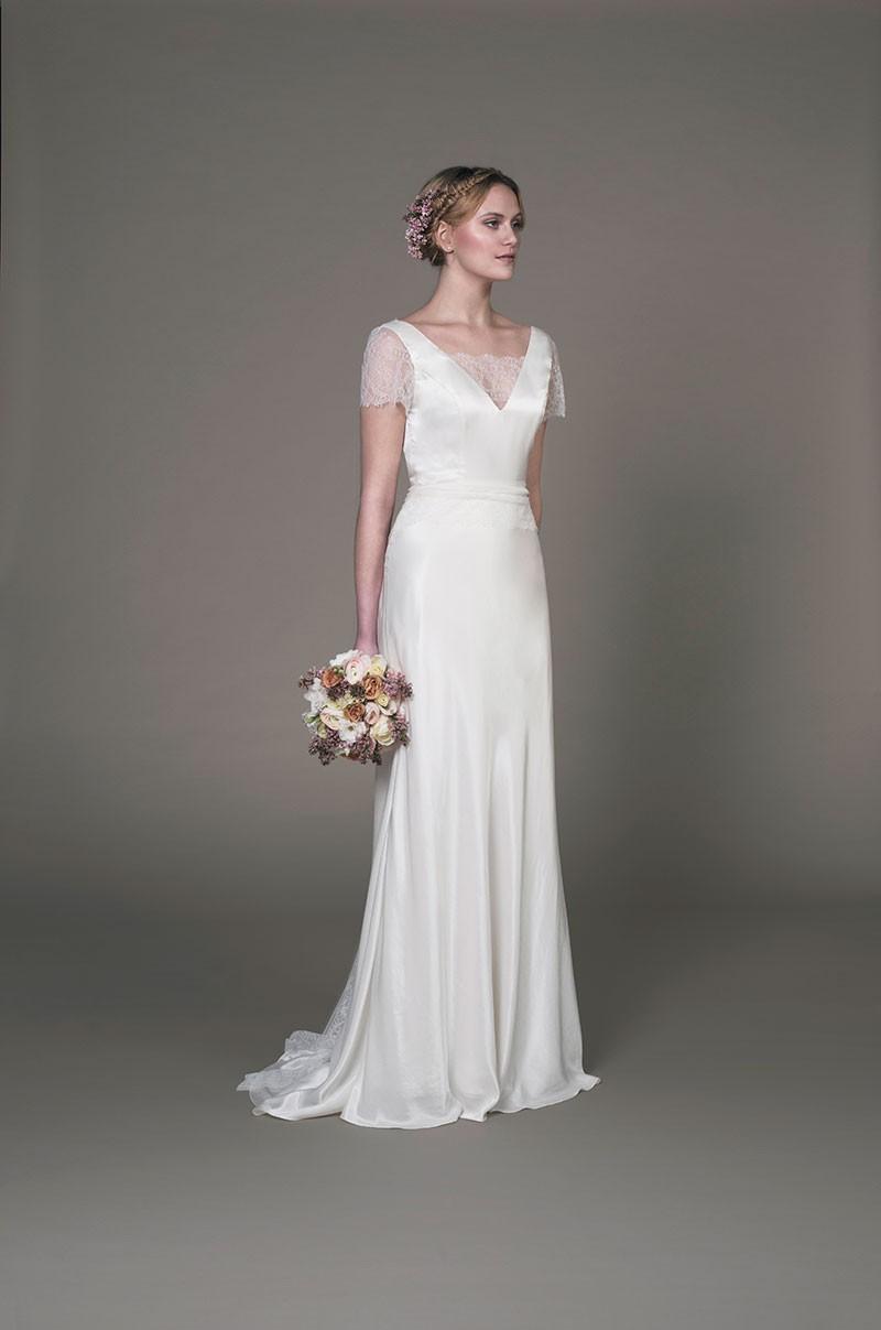 Sanyukta shrestha felicity second hand wedding dress on for Second hand wedding dresses london